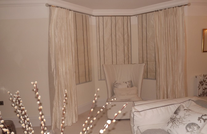 Silk Curtains and Blind on Bay Window